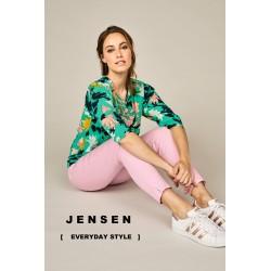 """Pasisemkite įkvėpimo ir naujų idėjų iš spalvotos pavasario kolekcijos, kuri jau yra UP """"JOTVINGIS"""" aprangos prekių skyriuje."""