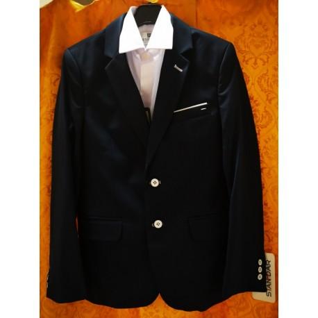 Prekiaujame geros kokybės drabužiais mokyklai. Prašom apsilankyti!
