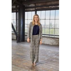 Pajusk šilko pojūtį su naujomis firmos ,,Brandtex'' moteriškomis kelnėmis.
