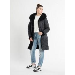 Firmos ,,Getex'' moteriškas paltas -  lengvas, šiltas, minkštas ir patogus.