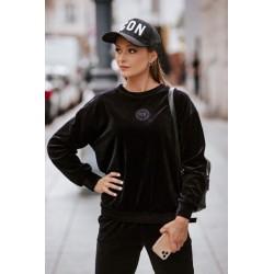 """Lenkų firmos ,,WIB's"""" moteriškas laisvalaikio kostiumas iš naujos 2021 m. rudens/žiemos kolekcijos."""